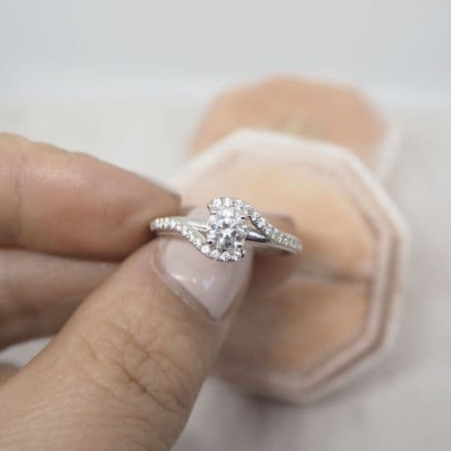 18ct white gold sweeping solitaire engagement ring