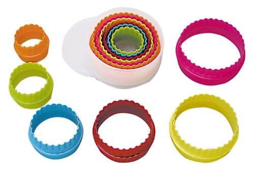 Round Plastic Cutters Set Multi-Coloured
