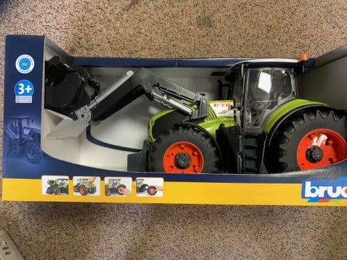 Bruder Class Axion with Loader