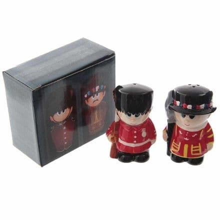 Guardsman And Beefeater Salt And Pepper Set