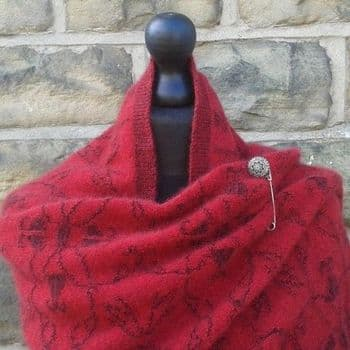 Brampton Motif Shawl with Pin in Poppy & Black