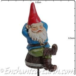 Georgetown -Fiddlehead - Gnomes on Stakes - Rufus on his barrel - 6.5cm.