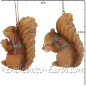 Gisela Graham - Pair of Country Squirrels -  Christmas Tree Decorations  - 8cm