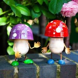 Metal Fun-Guys - Garden Mushroom Wobbles - 13cm.