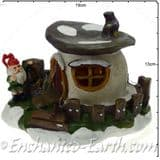 TheChristmas Garden - Light up - LED Gnome Home - Brown  Flat Top Mushroom Fairy House - 18cm (