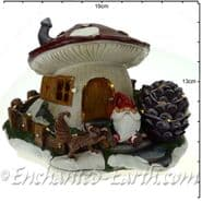 TheChristmas Garden - Light up - LED Gnome Home - Red Mushroom Fairy House - 18cm