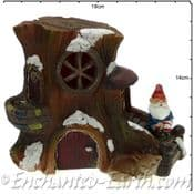 TheChristmas Garden - Light up - LED Gnome Home -  Tree  House  with Gnome & Fox- 14cm tall