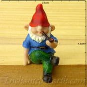 Vivid Arts- Miniature World Sitting Gnome  with pipe